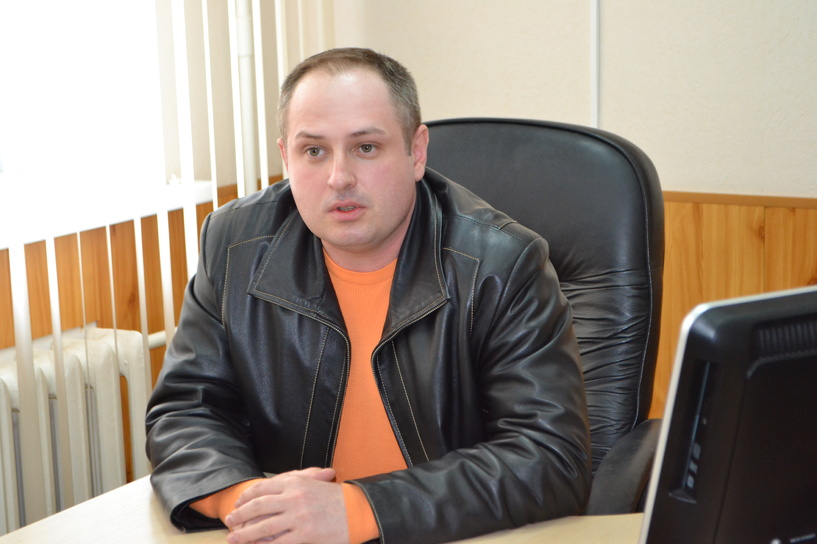 Максим Косенков не собирается уезжать к жене в Питер