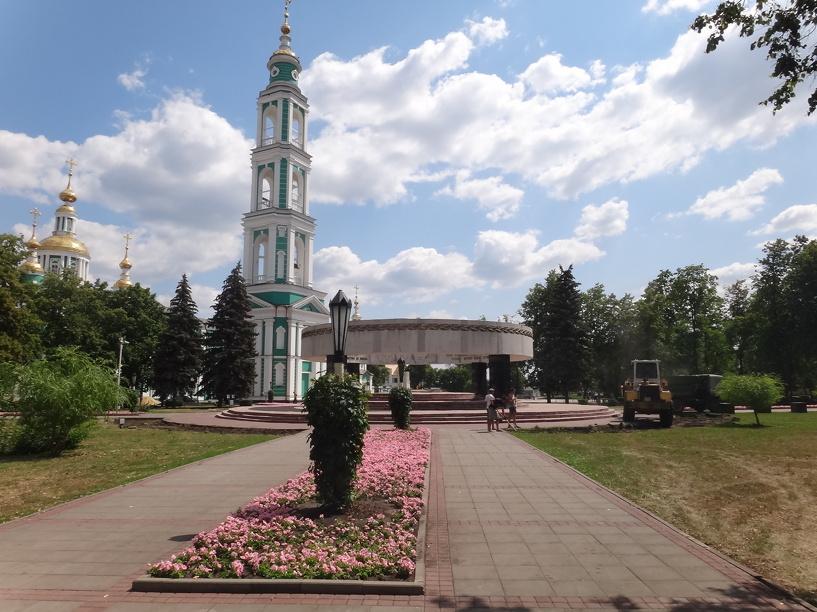 Соборную площадь готовят к приезду патриарха Кирилла