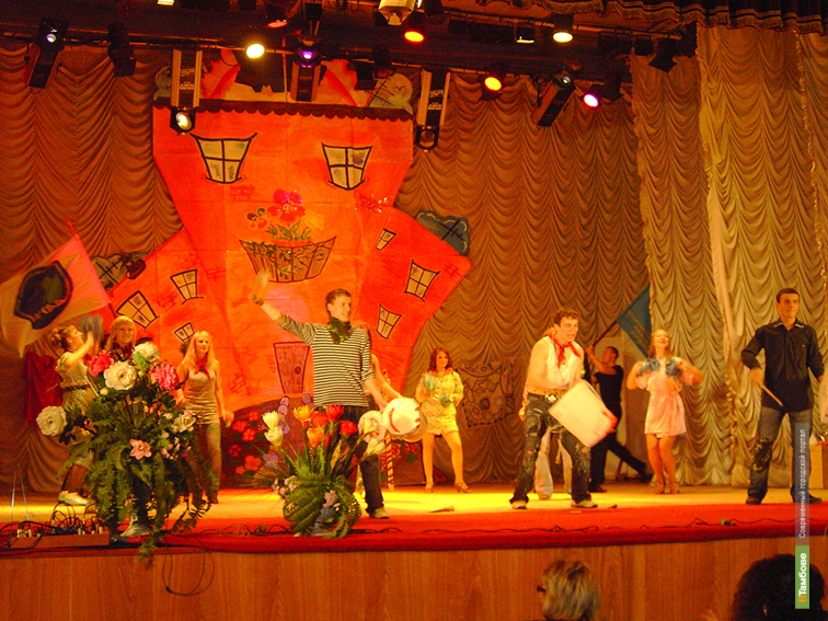 На сцене учебного театра ТГУ разыграются польские страсти