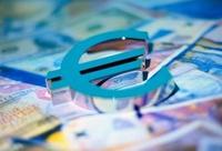 Официальный курс евро опустился ниже 47 рублей