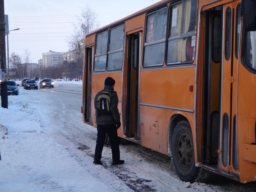 После Нового года проезд в троллейбусах и автобусах подорожает