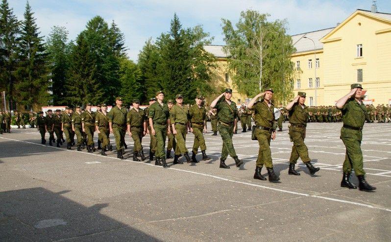 Десятиклассники поучаствовали в военных сборах