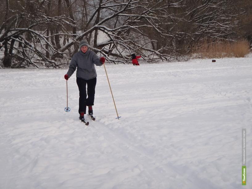 Тамбовские спасатели измерили толщину льда на водоемах области