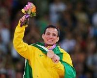 Дзюдоист сломал олимпийскую медаль в душе