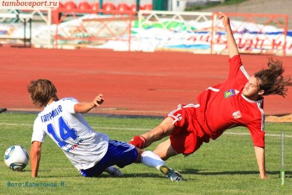Футболисты из Тамбова проиграли лидеру своей группы