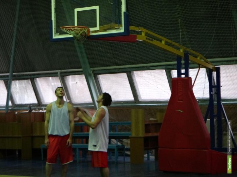 Баскетболисты из Тамбова лидируют в полуфинале «вышки»