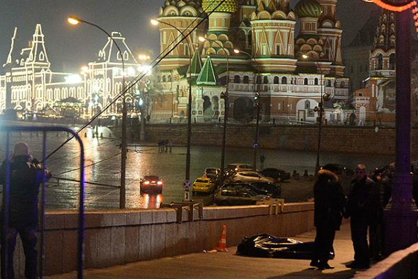 Спустя неделю после убийства Немцова силовики задержали двух подозреваемых