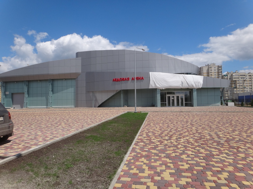 В Уварово построили ледовый дворец спорта почти за 300 миллионов рублей