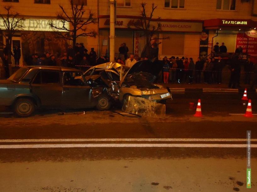 В центре Тамбова столкнулись два ВАЗа: 1 человек погиб и 5 пострадали