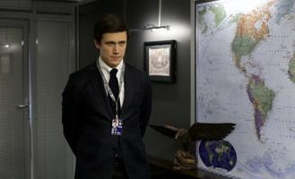 «Адаптация» — комедия о том, как американский шпион внедрялся в «Газпром»