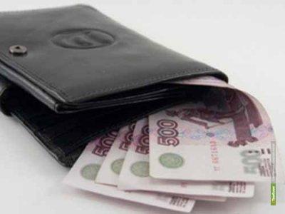 Московские зарплаты обогнали среднероссийские почти в два раза