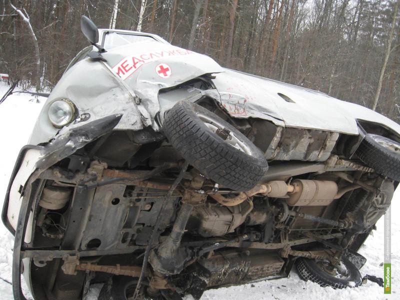 """На трассе Тамбов-Пенза перевернулась машина """"скорой помощи"""""""