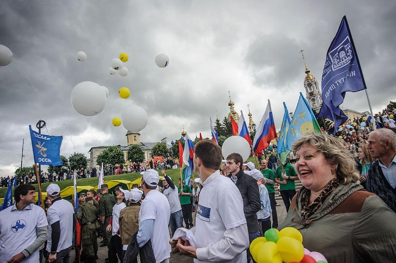 В День города тамбовчан угощали кашей под звуки народной музыки