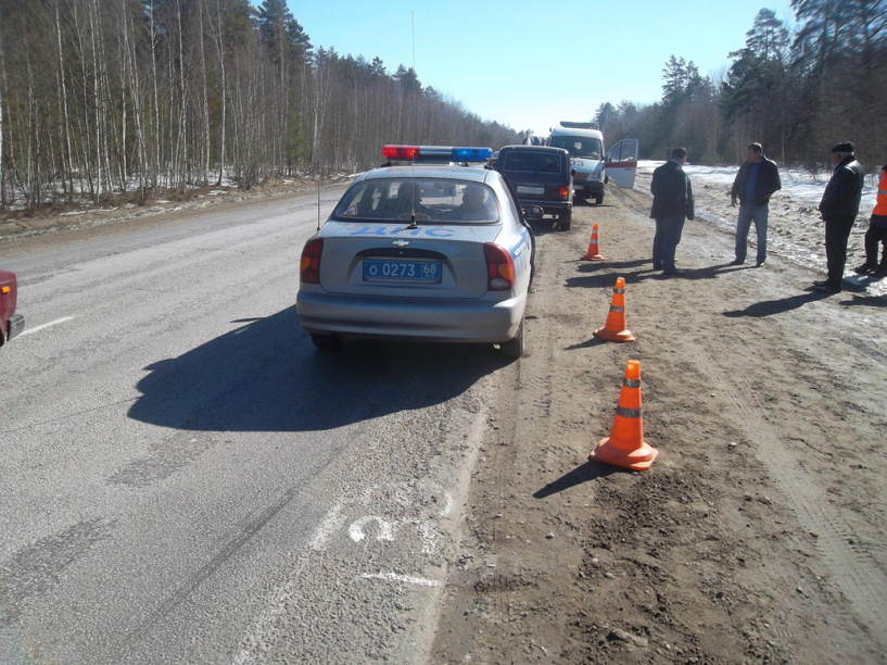 На трассе Тамбов-Пенза водитель без прав сбил дорожного рабочего