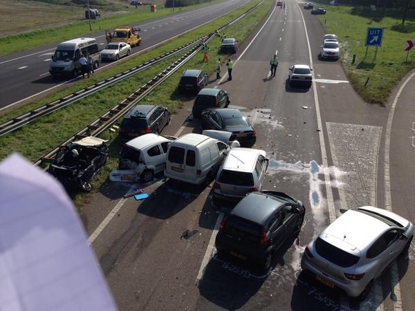 В Голландии из-за тумана столкнулись 150 машин
