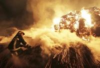Украина в огне: Оппозиция жжет костры, уничтожая последние надежды