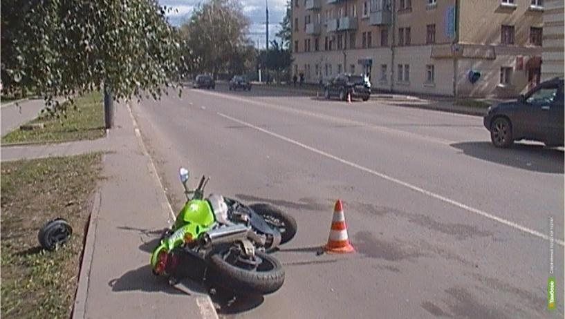 В Тамбове из-за ДТП в больницу попал 22-летний мотоциклист