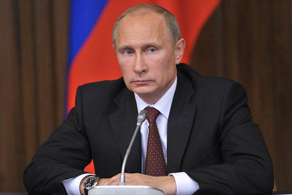 Владимир Путин подписал закон о продлении бесплатной приватизации жилья