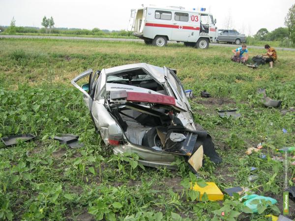 На территории Петровского района перевернулся автомобиль с орловцами