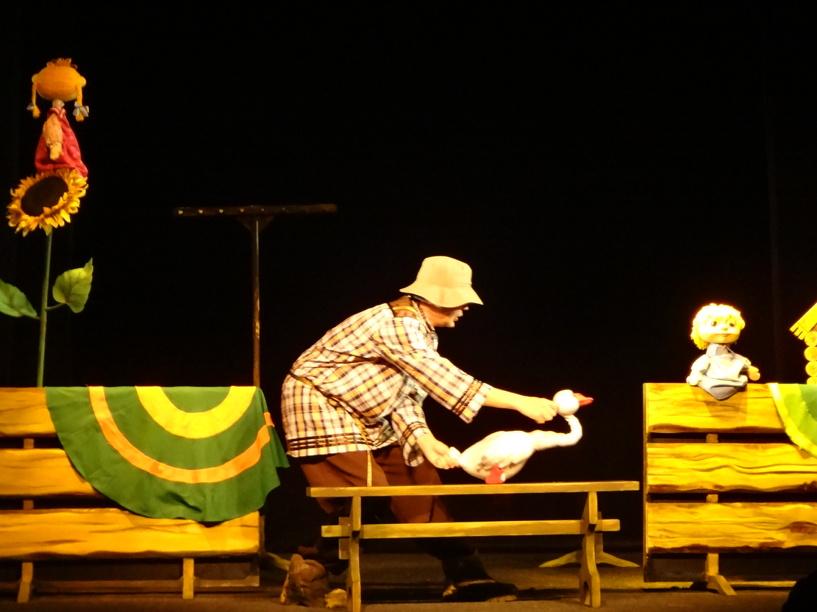 В Тамбовском театре кукол покажут спектакль «Гуси-Лебеди»