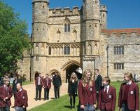 Английские школы лишили финансирования за отрицание Дарвина