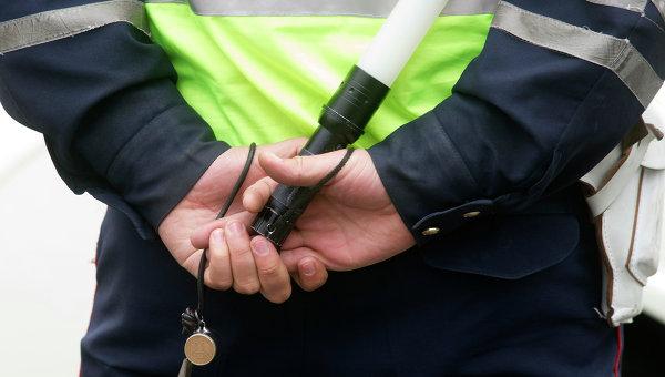 За попытку дать взятку гаишнику водитель заплатит штраф в 25 тысяч рублей