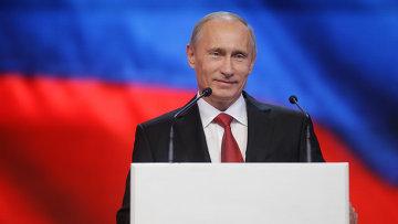 Путин обещает России интернет-демократию и искоренение бедности