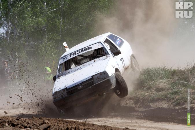 Тамбовчанин стал лучшим на соревнованиях по автокроссу в Пензенской области