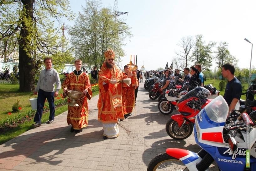 Байкеров Тамбова благословили на мотосезон