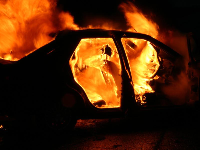 В Жердевке сгорели две «Приоры»