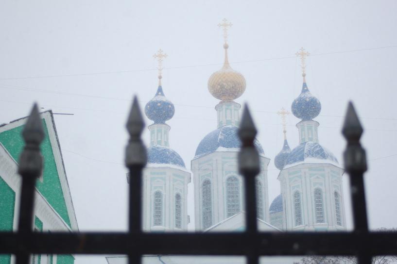 Между Казанским монастырем и сквером у Зои «вырос» металлический забор