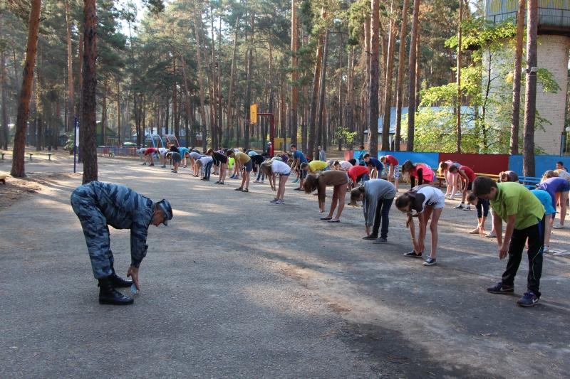 Сотрудники тамбовского ОМОНа отметили День физкультурника вместе с подростками
