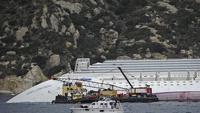 Туристы из Германии едва не утонули на месте крушения Costa Concordia