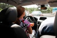 Эксперты: Женщины за рулем аккуратнее мужчин
