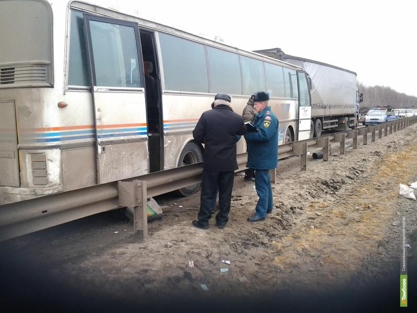 Под Никифоровкой в ДТП попал пассажирский автобус