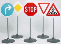 Водителям разъясняют сложные ситуации нарушений ПДД картинками