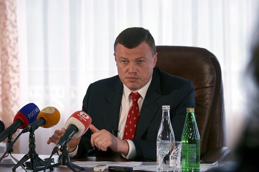 Александр Никитин призвал как можно скорее начать отопительный сезон