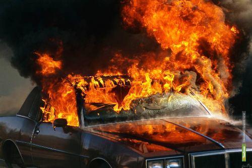 Тамбовчанин сжег свое авто «Мицубиши-Лансер»