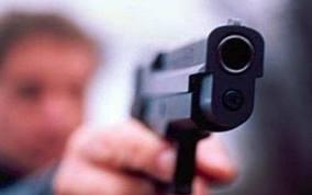 В Рассказово вооруженный хулиган угрожал посетителям аптеки