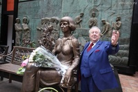 Зураб Церетели сделал французам бронзовую Марину Цветаеву