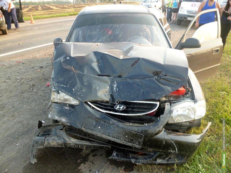 В Тамбовском районе в столкновении двух машин пострадали 6 человек