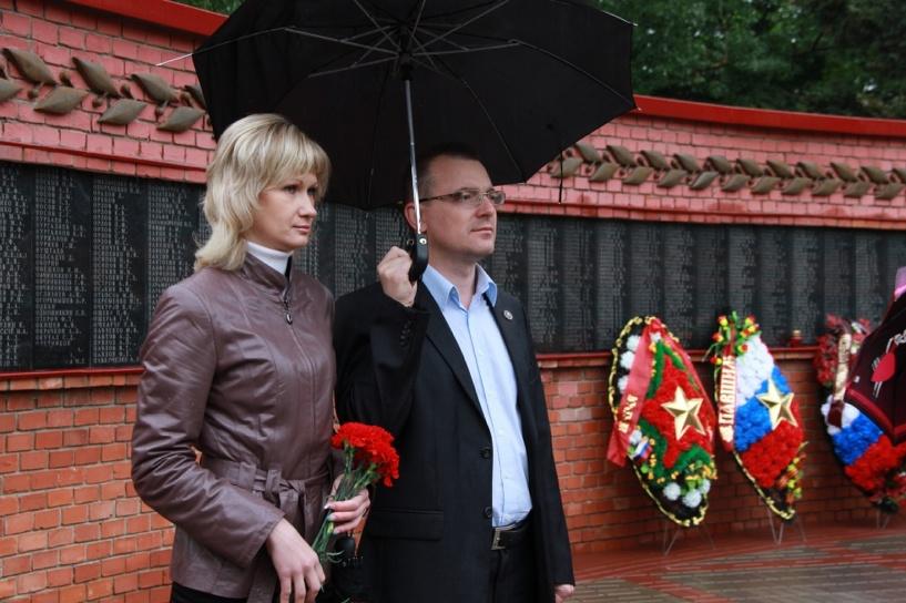 Тамбовчане возложили цветы к мемориалу героев войны