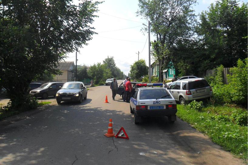 В Мичуринске двухлетний ребёнок выбежал прямо под колёса авто