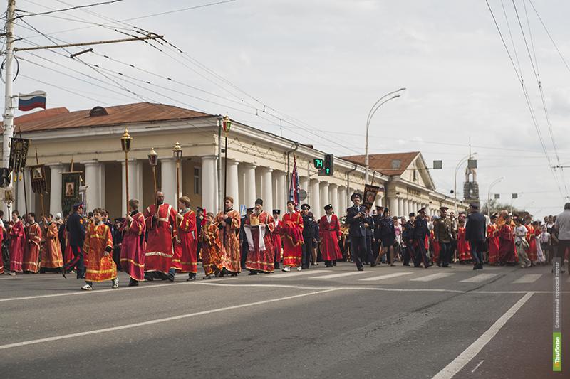 Верующие Тамбова прошли крестным ходом через центр города