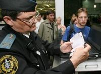 Госдума разрешила мелким должникам уезжать из России