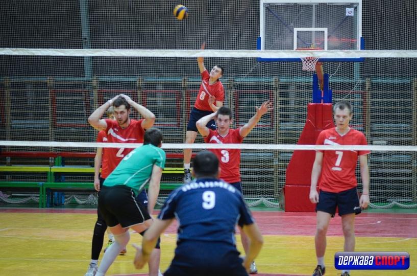 Тамбовские волейболисты проиграли домашнюю встречу