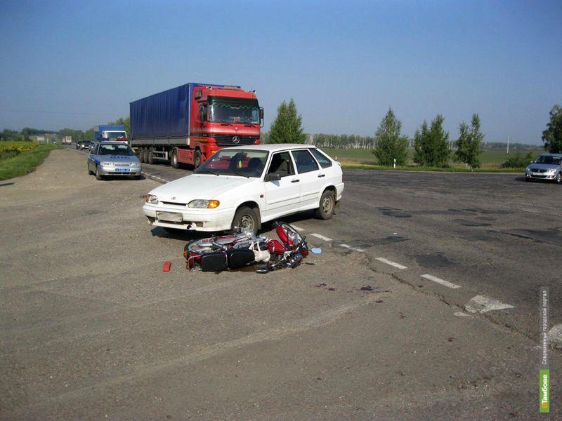 В Петровском районе легковушка сбила 80-летнего скутериста