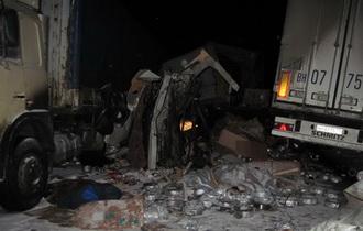Три грузовика столкнулись на тамбовской трассе