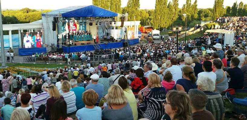 Послушать «Песни над Цной» собрались тысячи тамбовчан