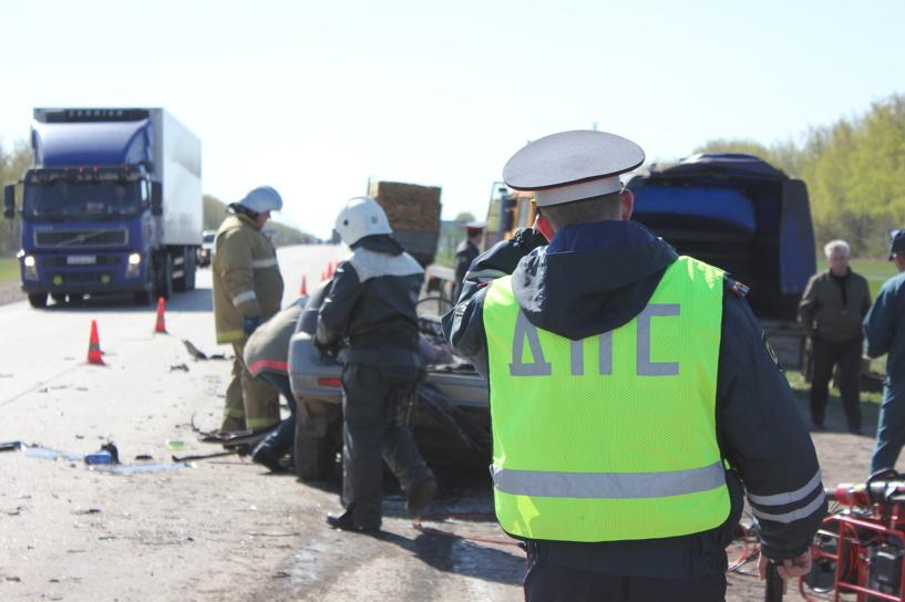 На трассе М6 две машины попали в ДТП